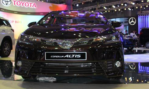 Corolla Altis 2017 - sedan nâng cấp trình làng Việt Nam - Hình 1