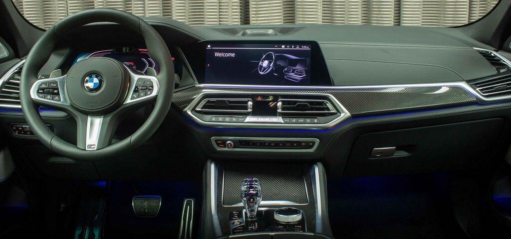 BMW X6 2020 với ngoại thất Xám Arctic và nội thất da Merino Đen