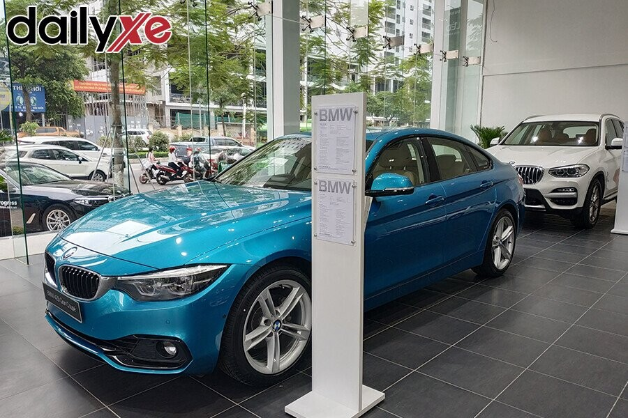 Khu vực trưng bày sản phẩm BMW - Hình 4