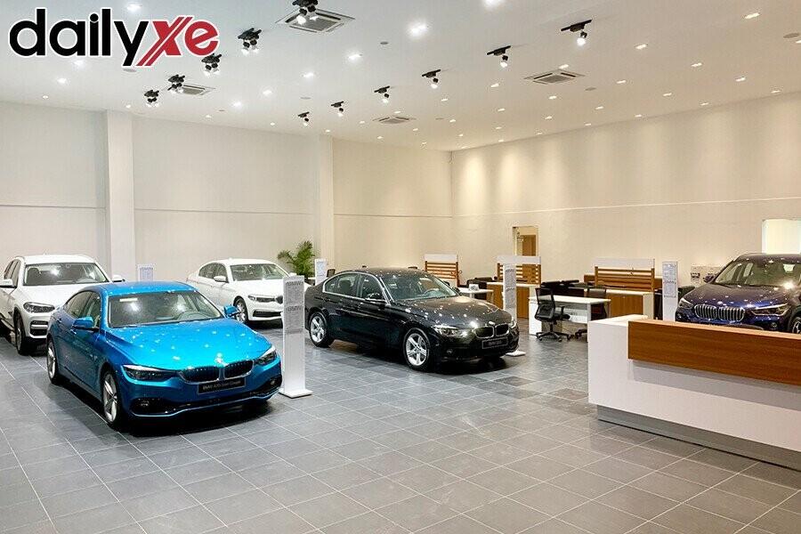 Khu vực trưng bày sản phẩm BMW - Hình 1
