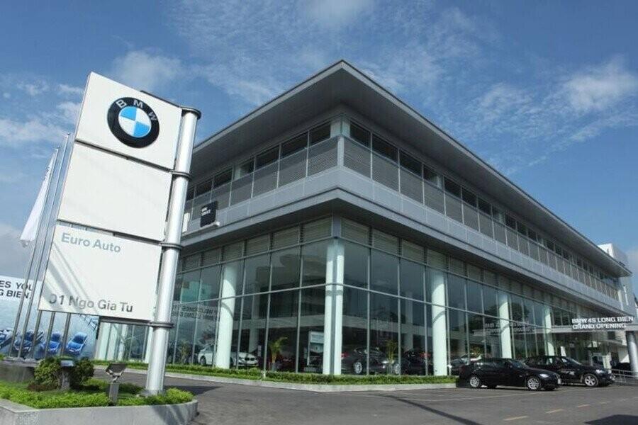 Mặt tiền Showroom BMW Long Biên