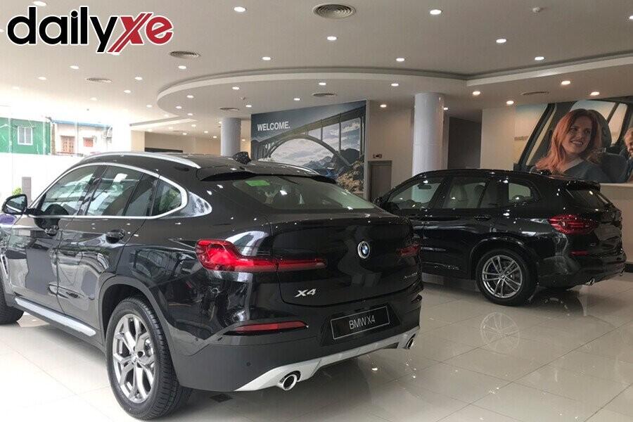 Các dòng xe BMW trưng bày tại Showroom
