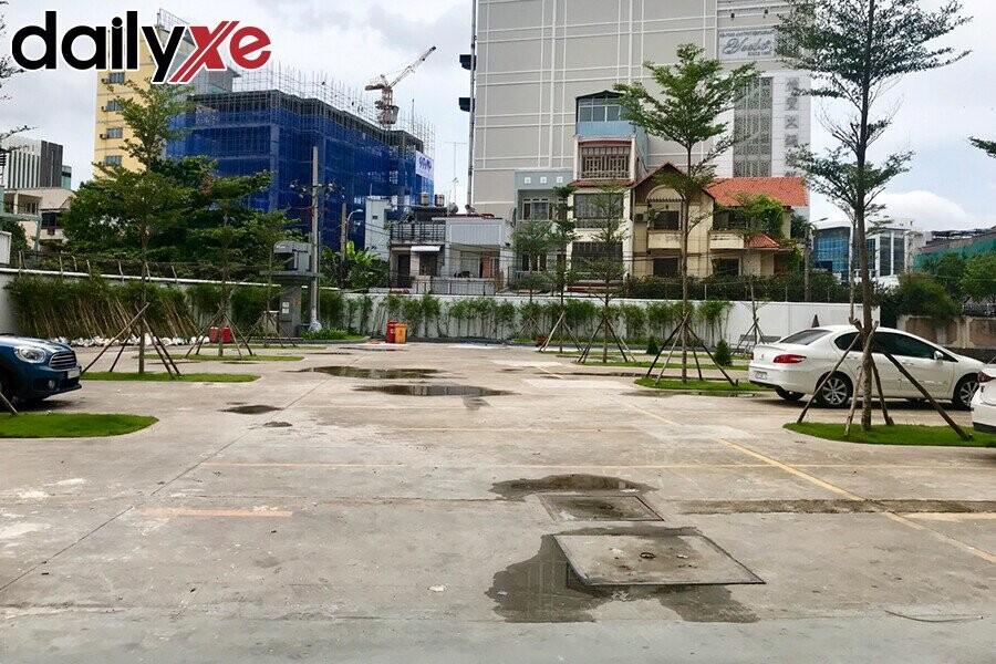 Bãi đậu xe ngay Trung tâm thành phố cho Khách hàng