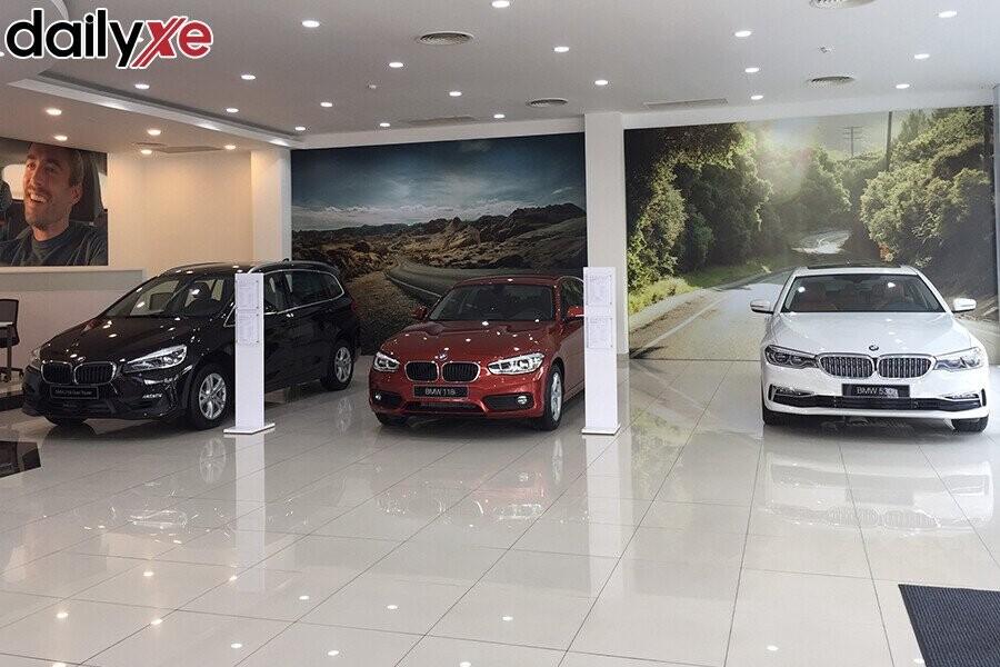Khu vực trưng bày xe - Hình 2