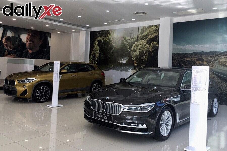 Khu vực trưng bày xe - Hình 1