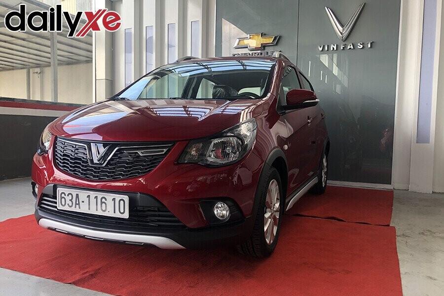 Khu vực trưng bày xe Chevrolet sang trọng và rộng lớn - Hình 3