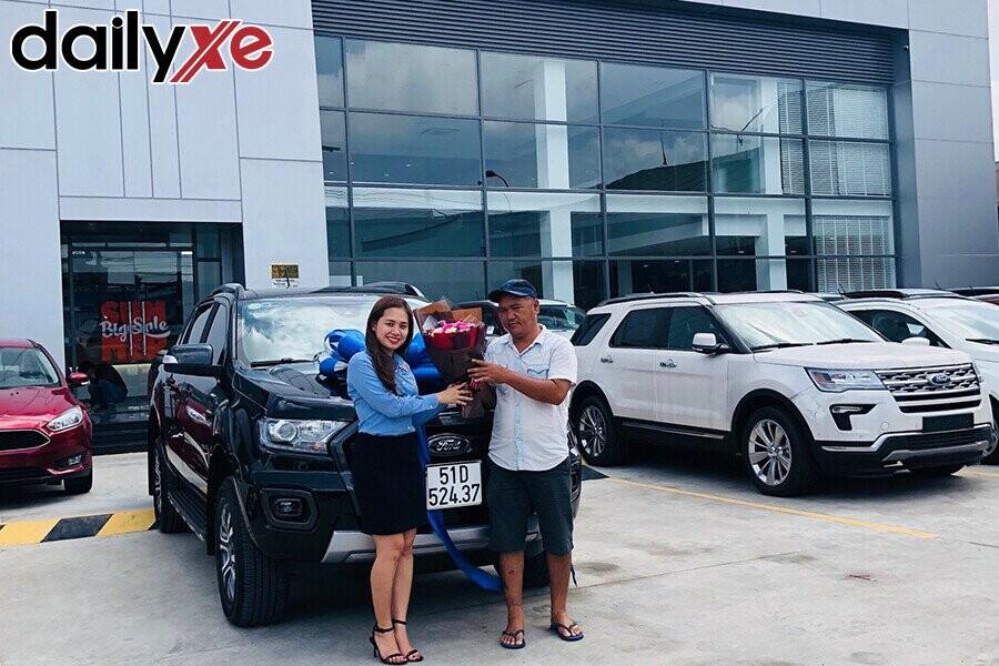 Lễ bàn gia xe cho khách hàng - Hình 1