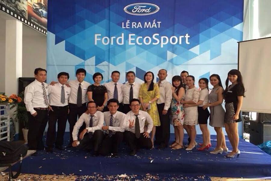 Đội ngũ nhân viên Ford Nha Trang