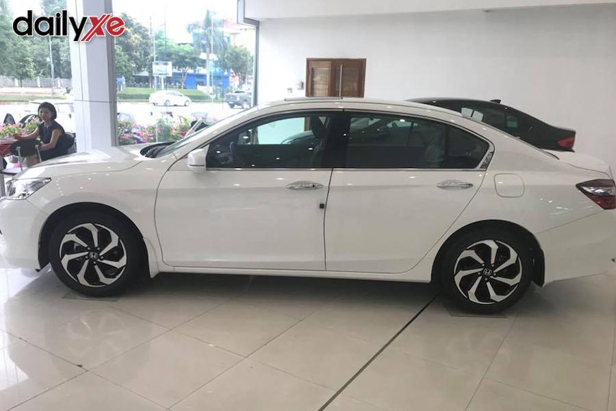 Xe mẫu trưng bày tại Showroom