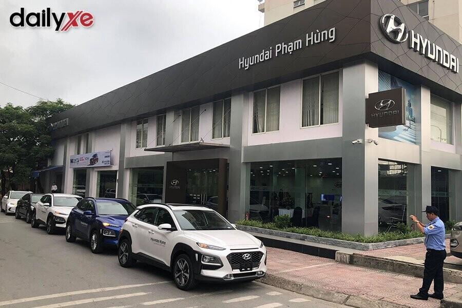 Bên ngoài Showroom Hyundai Phạm Hùng - Hình 1