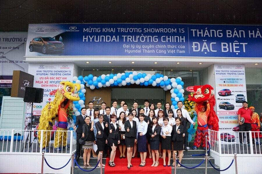 Đội ngũ tư vấn bán hàng Hyundai Trường Chinh 1S