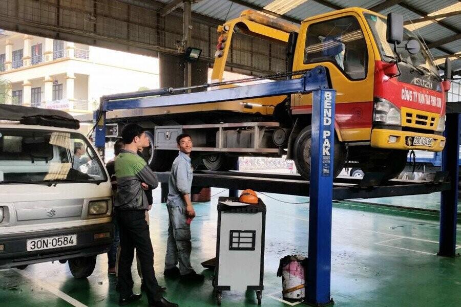 Khu vực sửa chữa và bảo dưỡng xe