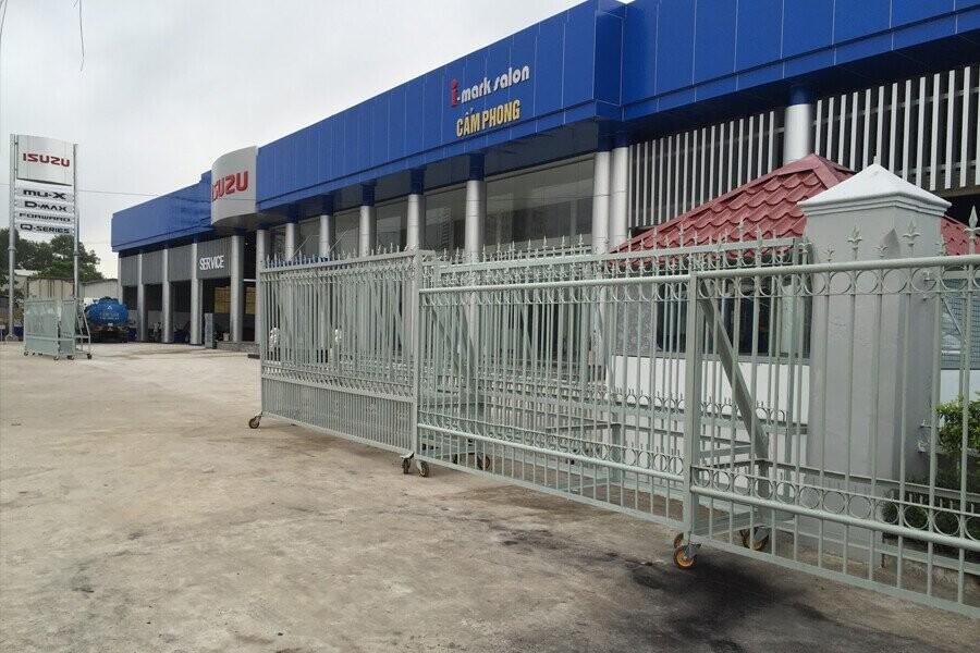 Mặt tiền Showroom Isuzu Cẩm Phong