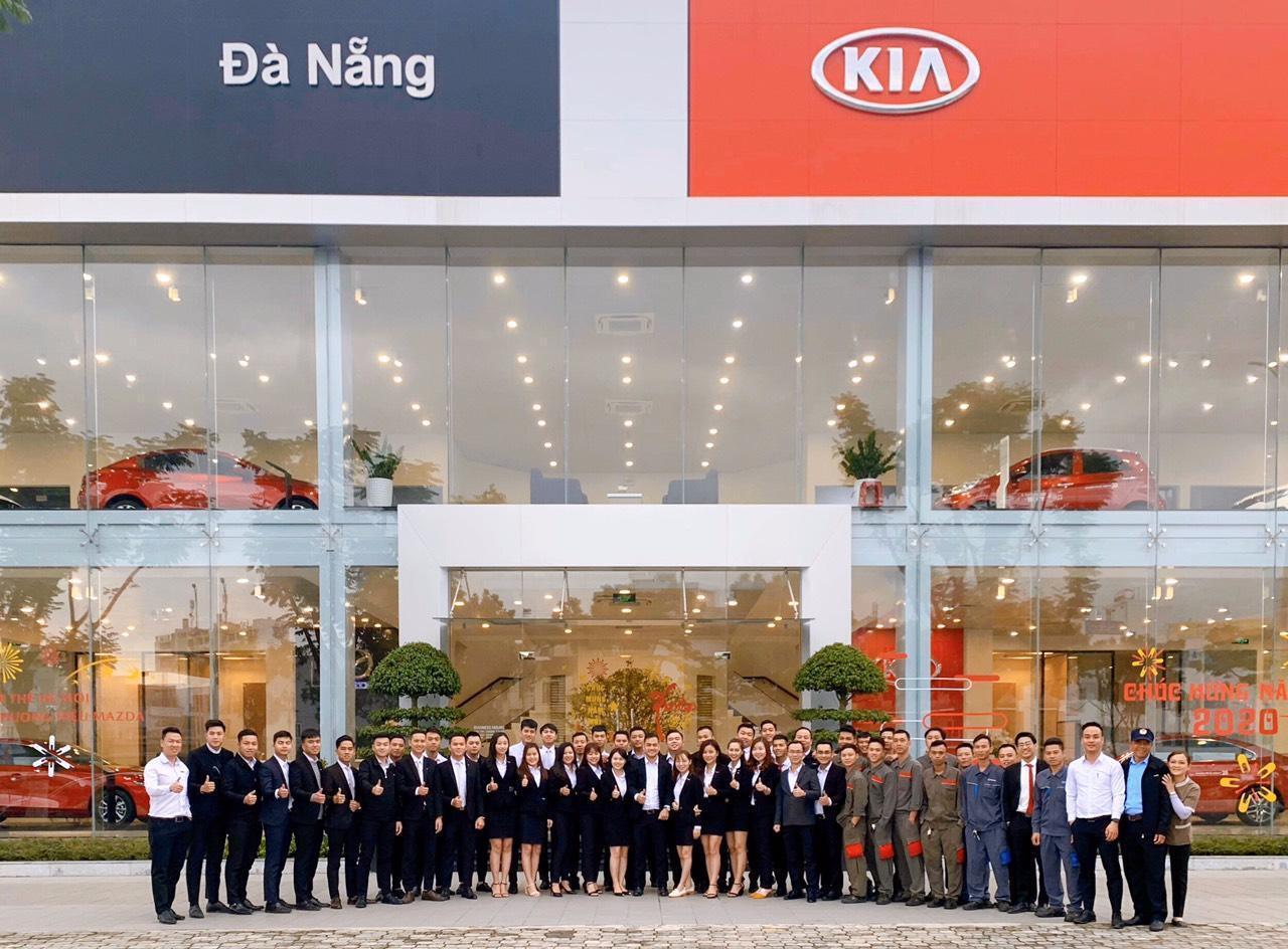 Đội ngũ nhân viên KIA Đà Nẵng