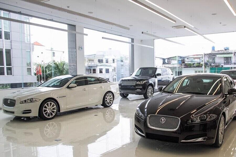 Khu vực trưng bày xe Land Rover