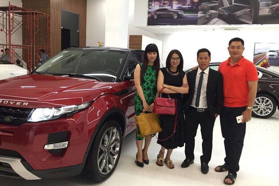 Lễ bàn giao xe Land Rover cho Khách hàng