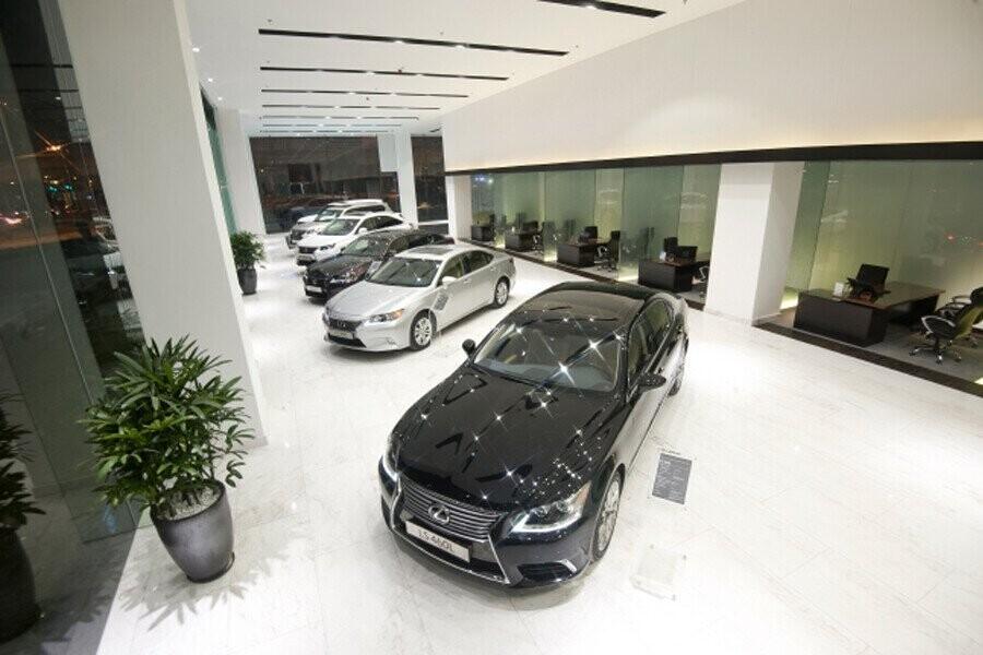 Khu vực trưng bày xe Lexus