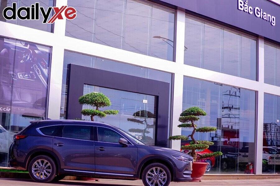Phía trước Showroom Mazda Bắc Giang