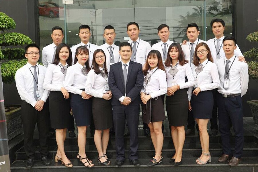 Đội ngũ nhân viên trẻ trung năng động