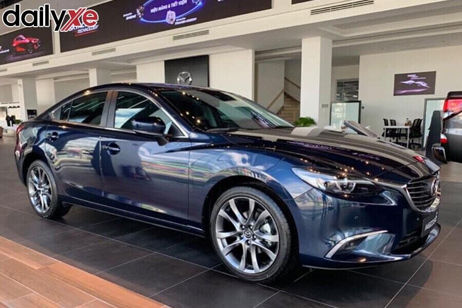 Khu vực trưng bày xe Mazda