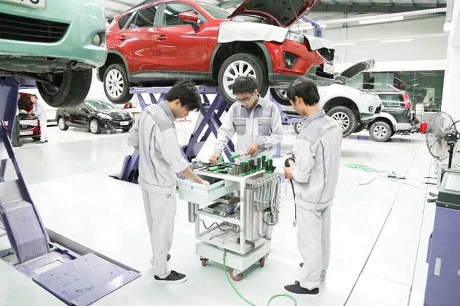 Khu vực xưởng Dịch vụ Showroom Mazda Ninh Bình