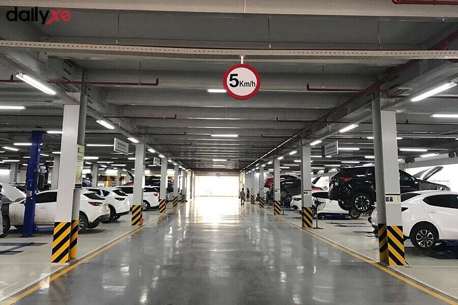 Khu vực sửa chữa tại Mazda Phạm Văn Đồng - Hình 1