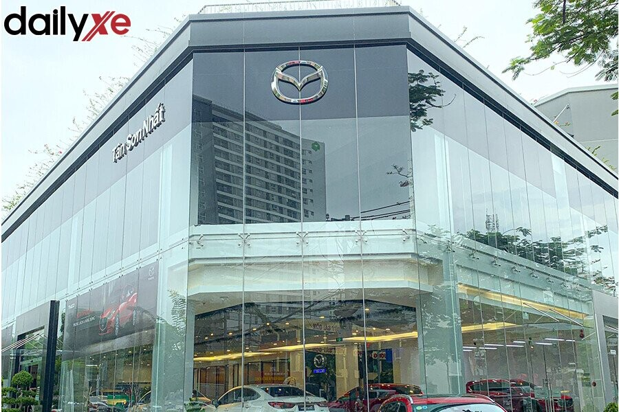 Showroom Mazda Tân Sơn Nhất