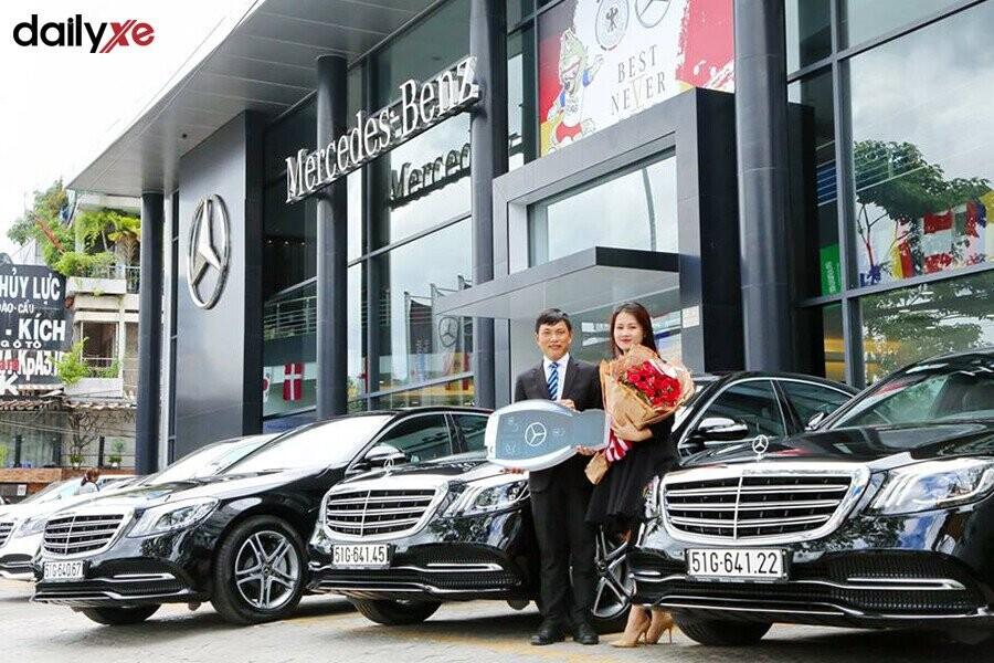Giao xe Mercedes cho khách hàng - Hình 2