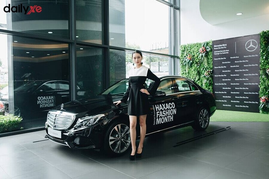 Khu vực trưng bày xe Mercedes tại Showroom Mercedes Điện Biên Phủ - Hình 4