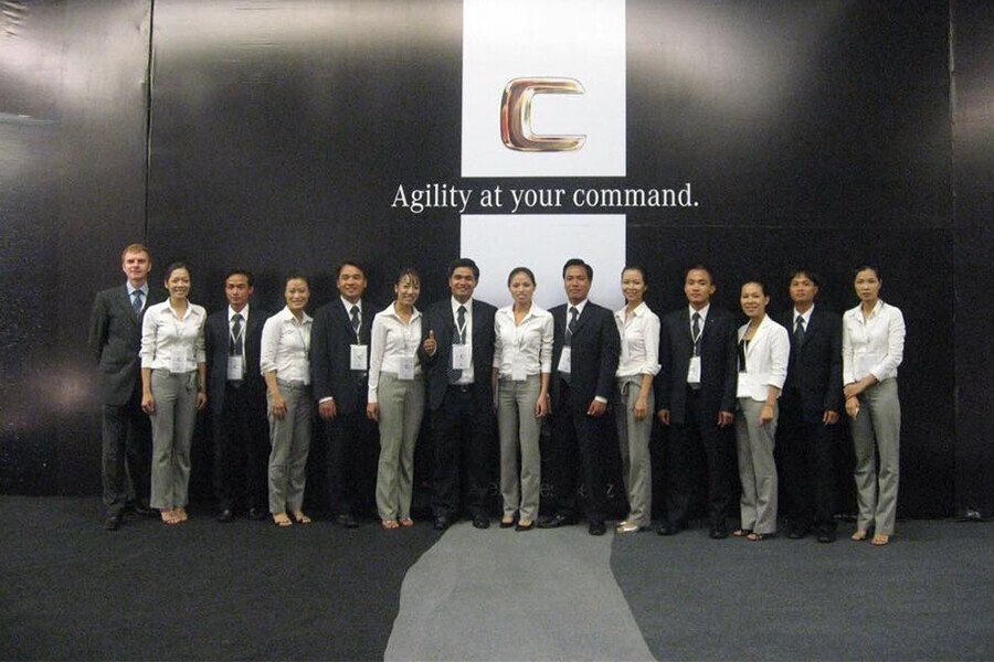 Đội ngũ nhân viên tại Mercedes-Benz Ngô Quyền