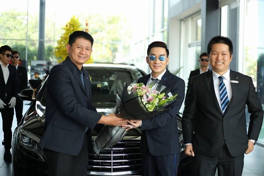 Lễ bàn giao xe Mercedes-Benz cho Khách hàng