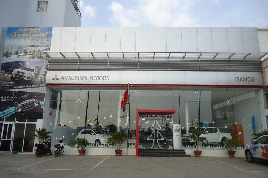 Mặt tiền Showroom Mitsubishi ISAMCO Võ Văn Kiệt