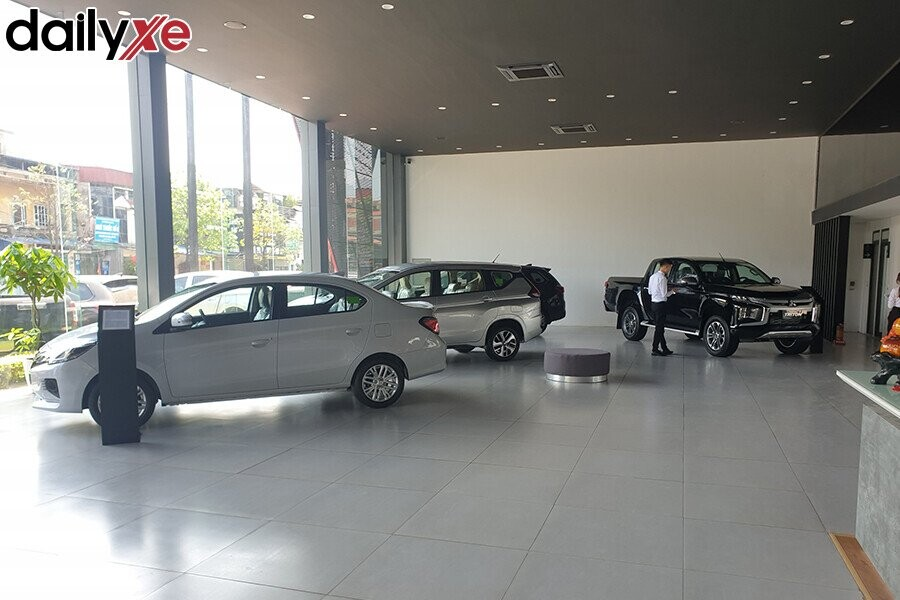 Khu Vực Trưng Bày Các Mẫu Xe Mitsubishi