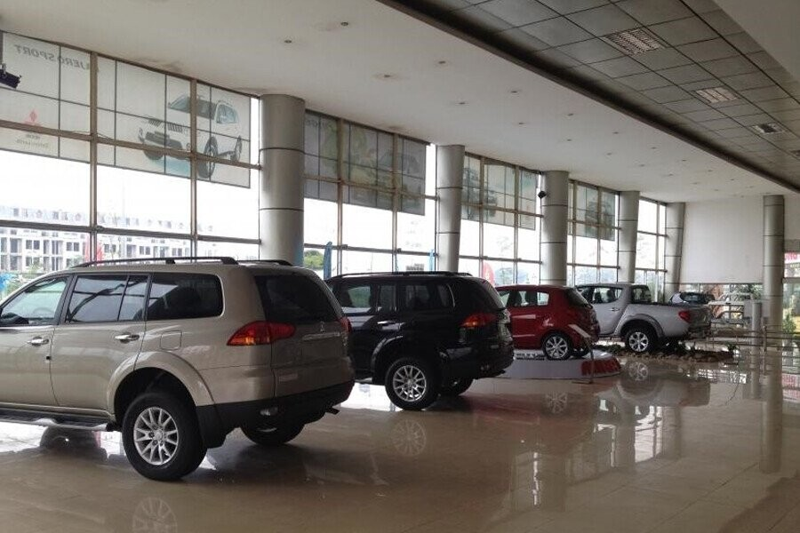 Khu vực trưng bày xe Mitsubishi