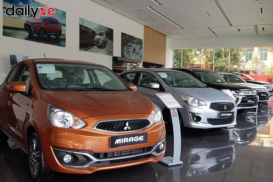 Khu vực trưng bày xe tại Showroom - Hình 1