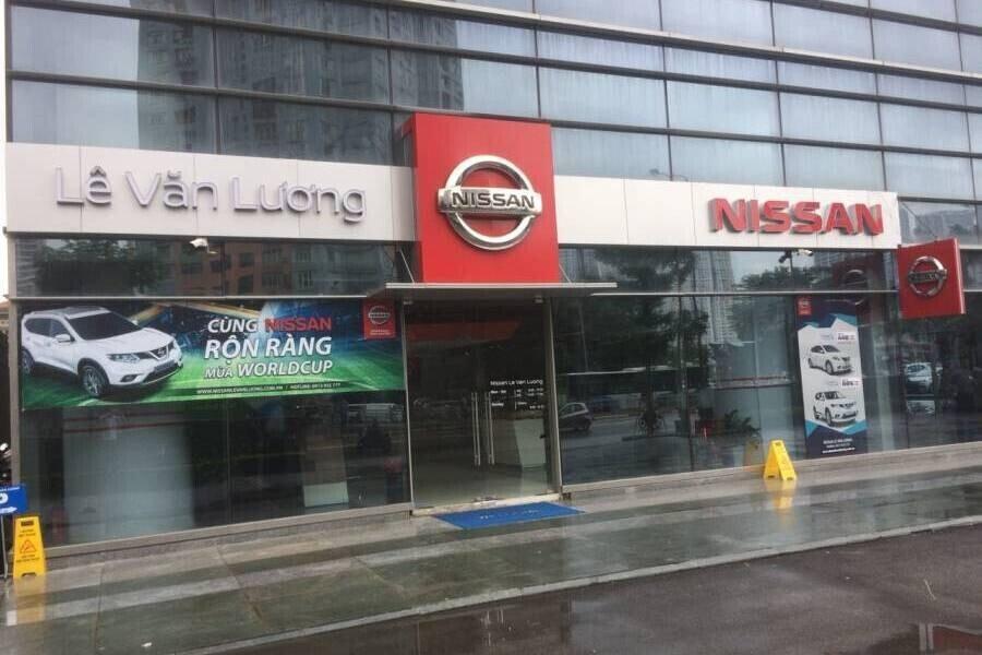 Mặt tiền Showroom Nissan Lê Văn Lương