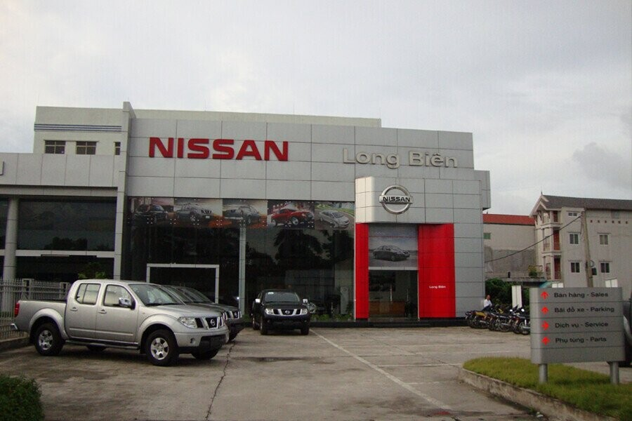 Mặt tiền Showroom Nissan Long Biên