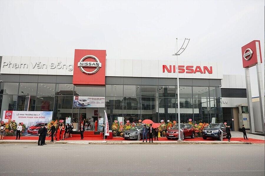Mặt tiền Showroom Nissan Phạm Văn Đồng