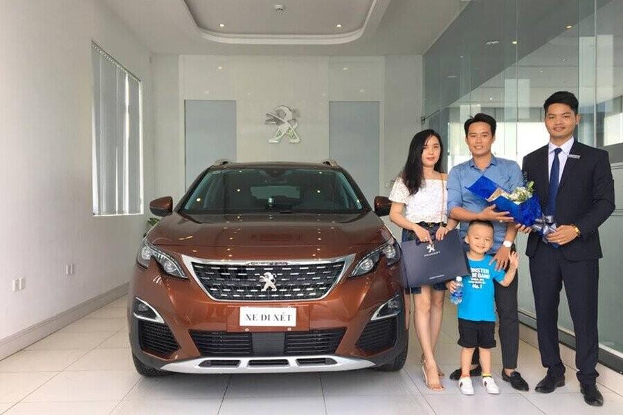 Lễ bàn giao xe Peugeot cho Khách hàng