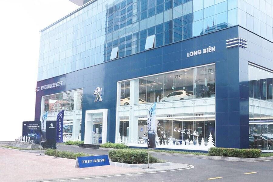 Mặt tiền Showroom Peugeot Long Biên