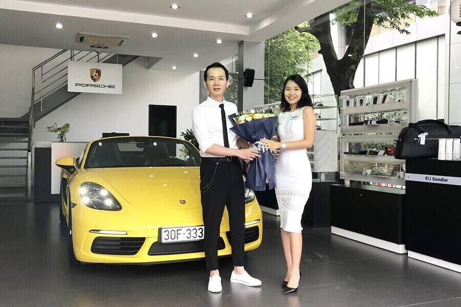Lễ bàn giao xe Porsche cho Khách hàng