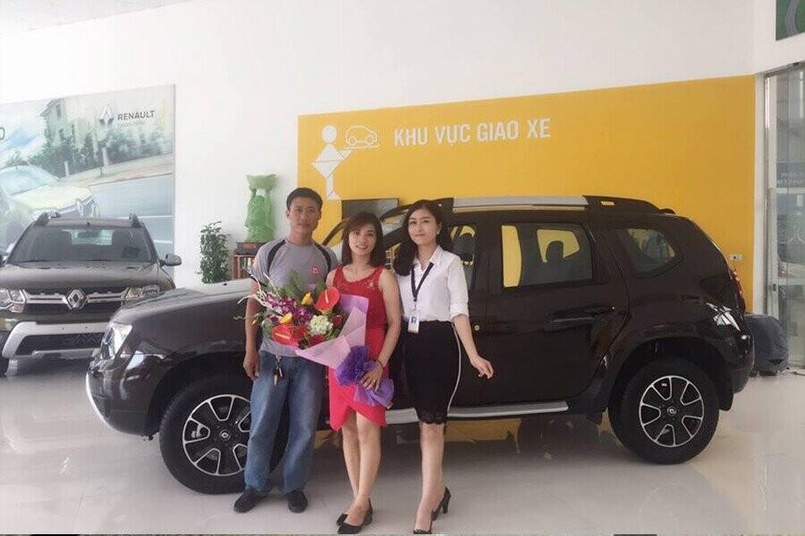Lễ bàn giao xe Renault cho Khách hàng