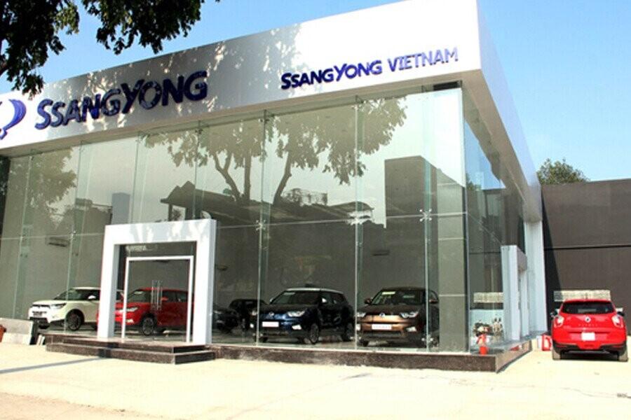 Mặt tiền Showroom SsangYong Long Biên