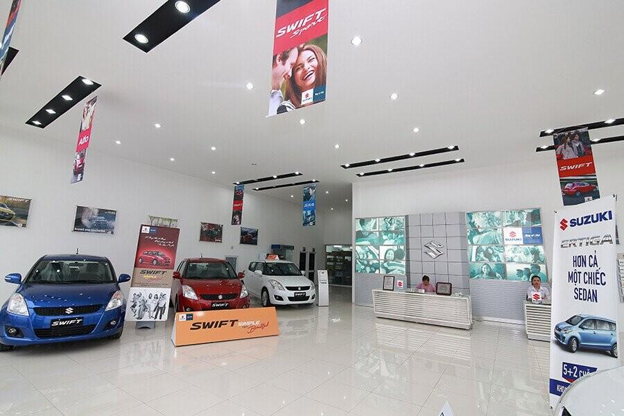 Khu vực trưng bày Đại lý Suzuki Huy Phương