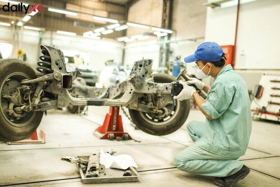 Xưởng sửa chữa hoạt đông theo tiêu chuẩn nghiêm ngặt của Toyota