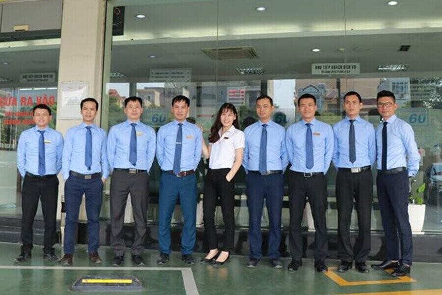Đội ngũ nhân viên trẻ năng động