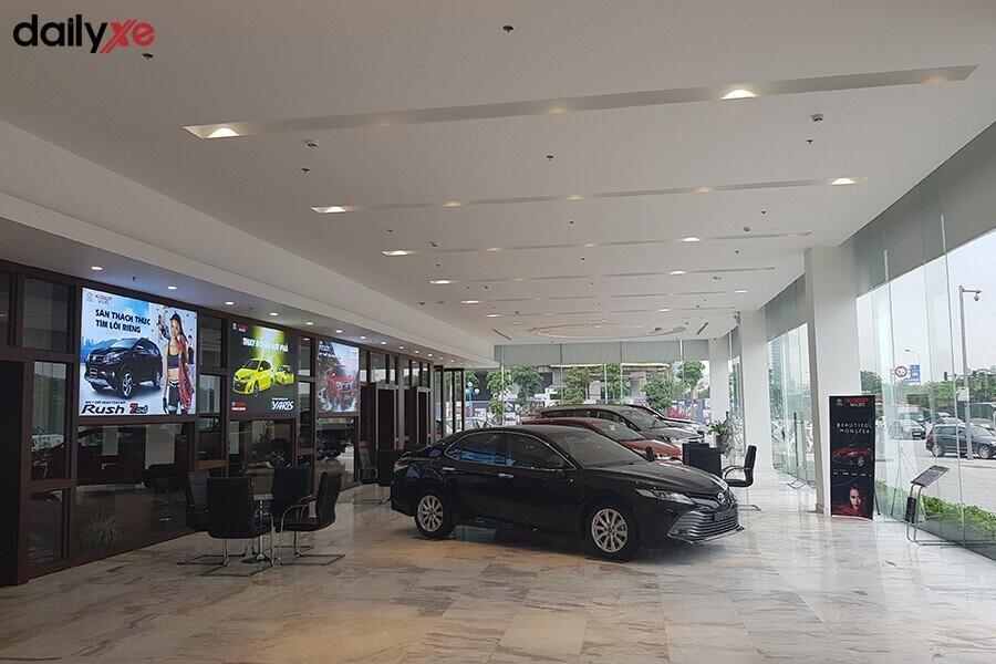 Khu vực trưng bày xe Toyota - Hình 3
