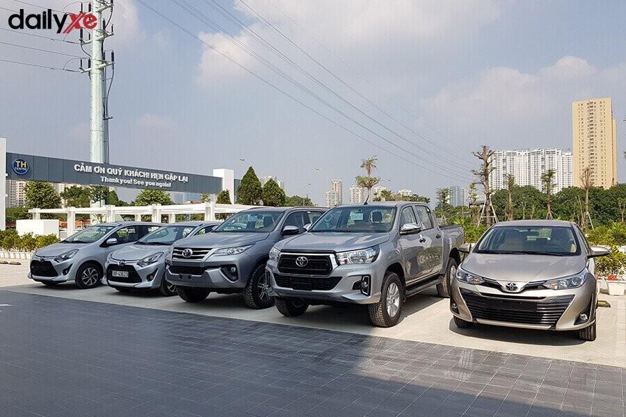 Khu vực trưng bày xe Toyota - Hình 4