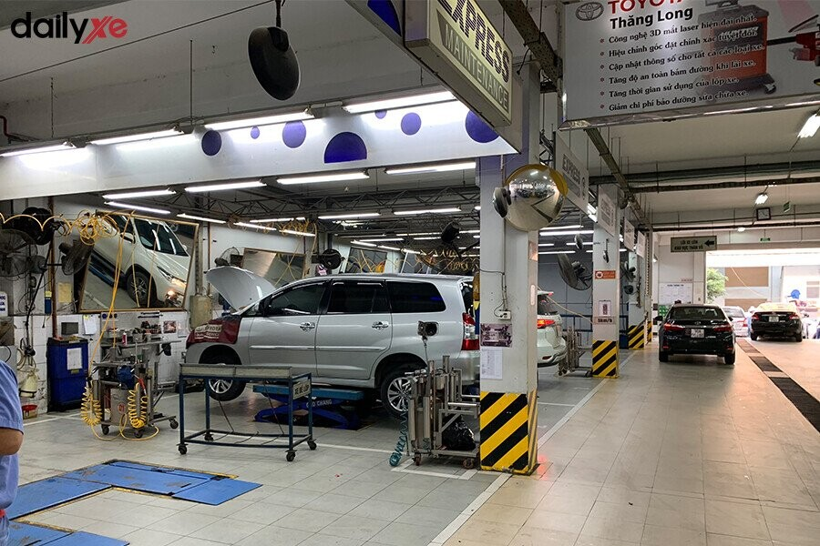 Khu vực sửa chữa Toyota Thăng Long - Hình 1
