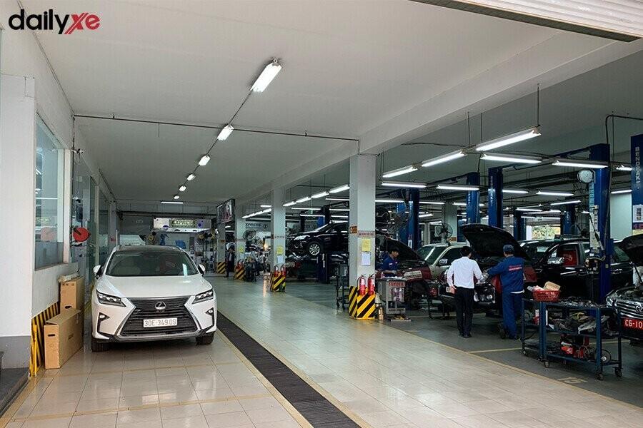 Khu vực sửa chữa Toyota Thăng Long - Hình 2